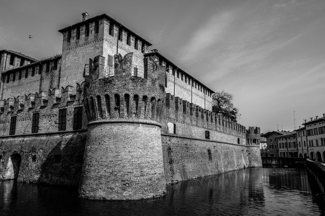 Economic Moat - The concept of evaluating stocks